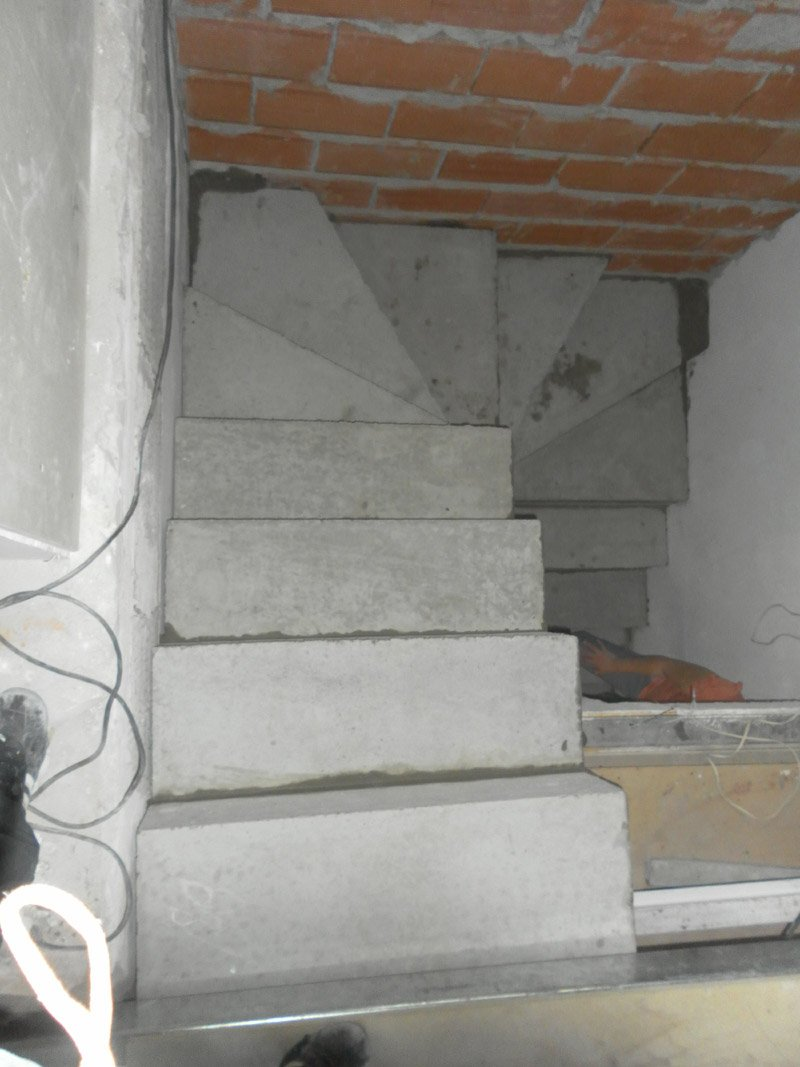 Escaleras en u fabulous precios de escaleras de aluminio for Escaleras en forma de u
